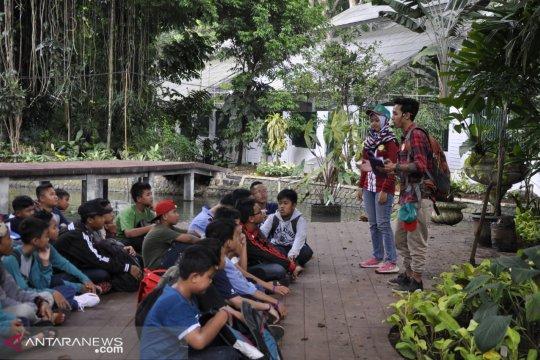 Pengunjung Kebun Raya Bogor anjlok akibat kelangkaan parkir