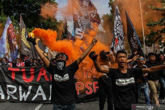 Aksi pendukung PSPS Riau