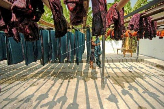 Tenaga kerja sektor tekstil Page 1 Small