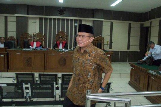 Taufik Kurniawan dituntut delapan tahun penjara Page 3 Small