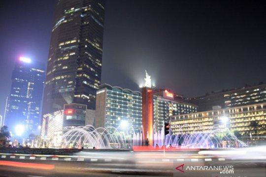 Menikmati Jakarta saat dipeluk malam