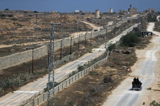 Pasukan artileri Israel bom dua lokasi di Jalur Gaza