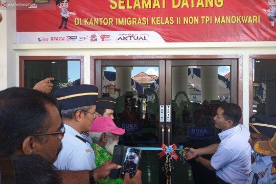 Kantor Imigrasi Manokwari diminta permudah pelayanan paspor