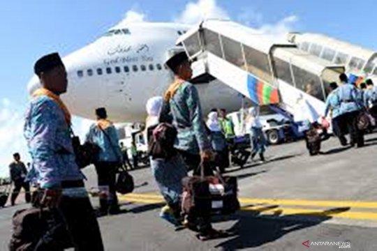 Tergabung kloter 21-28, calhaj Jambi  berangkat dari Embarkasi Batam
