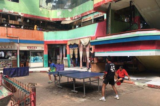 Menggiatkan olah raga di tengah Pasar Grogol