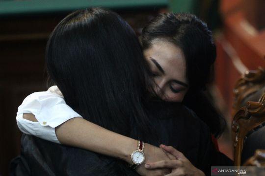 Vonis lima bulan penjara Vanessa Angel