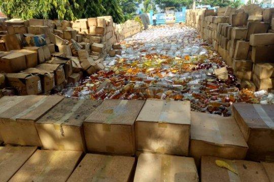 Ribuan rokok-minuman beralkohol dimusnahkan Bea Cukai
