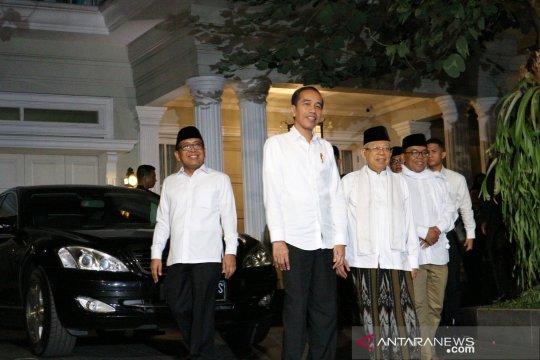 Ma'ruf antar Jokowi menuju Bandara Halim Perdanakusuma