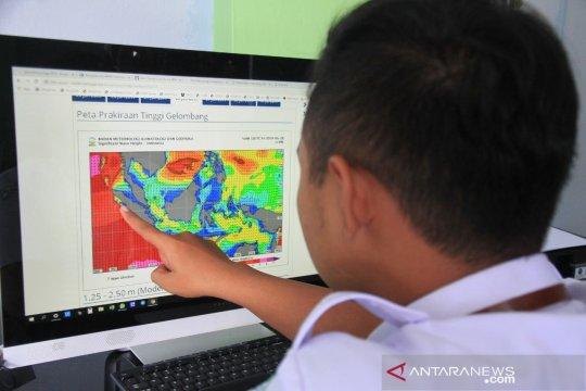 BMKG minta waspadai gelombang perairan Aceh capai 4 meter