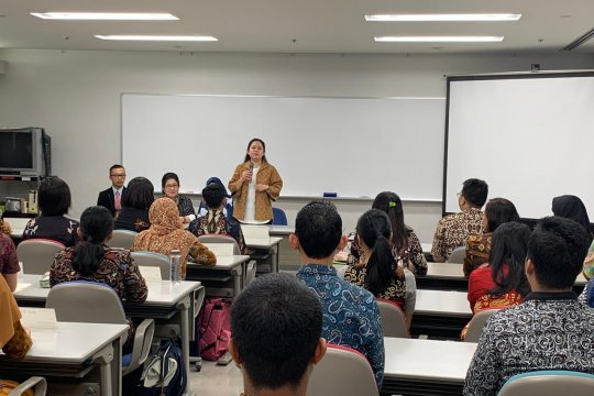 Puan dukung peningkatan kualitas perawat Indonesia di Jepang