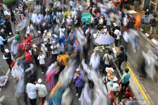 Massa aksi di depan MK bubar