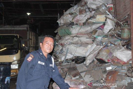 Bau gas seharian bikin resah Warga Bogor