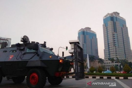 Ribuan aparat keamanan bersiaga di silang Monas