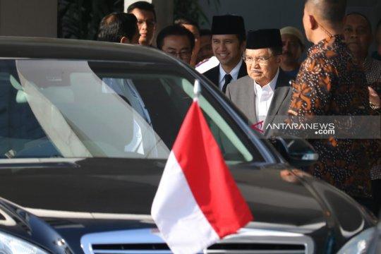 Doakan cepat sembuh, Wapres JK jenguk Wali Kota Surabaya