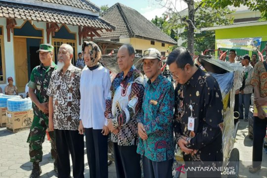 Kementan berikan bantuan puluhan alsintan kepada petani Gunung Kidul