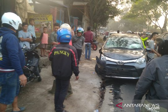 Enam kendaraan terlibat tabrakan beruntun di Cianjur