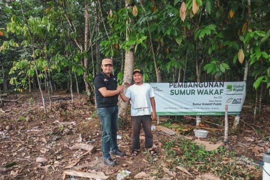 Global Wakaf-ACT Lampung bangun sumur wakaf untuk atasi kekeringan.