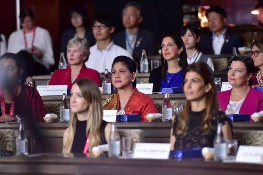 Iriana Joko Widodo hadiri simposium lingkungan di Osaka