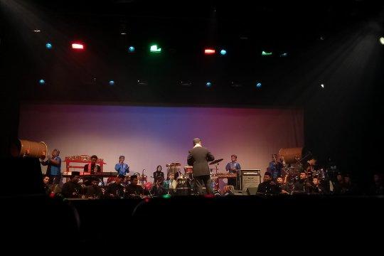 """Musisi Iwan Wiradz pimpin orkestra """"The Harmony of Betawi"""""""