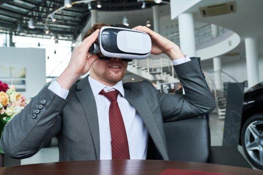 """""""Test drive"""" mobil virtual kini bisa lewat platform e-commerce"""