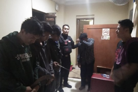 Polres Metro Jakarta Barat amankan 4 pelaku tawuran