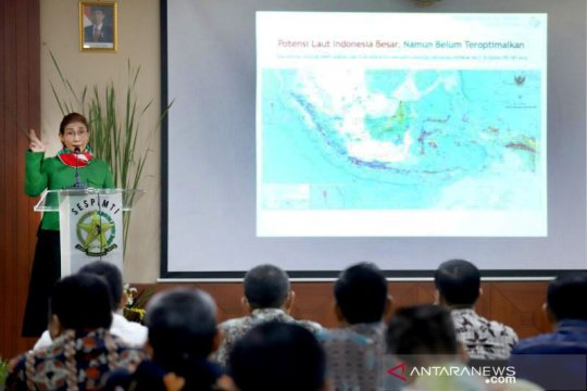 Menteri Susi dorong Polri usut tuntas pelaku aktivitas ilegal di laut