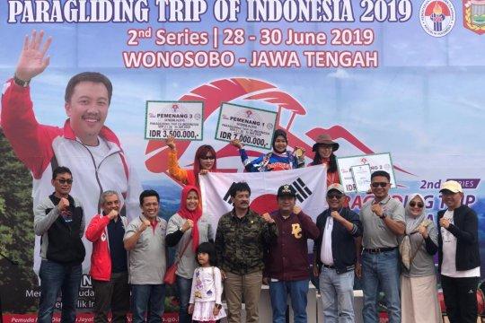Peserta asal Korsel terkesan dengan Paralayang TroI Wonosobo