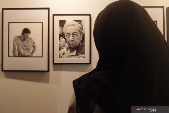 Perhelatan fotografi internasional di Indonesia, dari masa ke masa