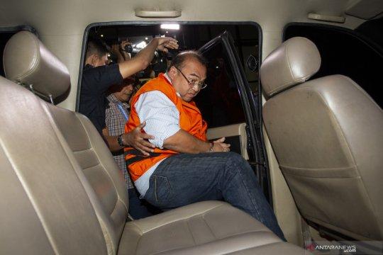 Bekas pejabat Kejati DKI Jakarta Agus Winoto dieksekusi ke LP Cibinong