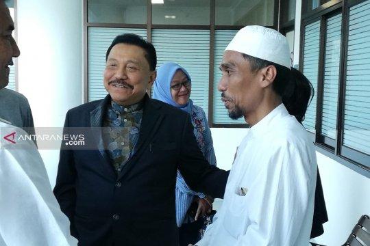 Mantan Kepala BIN Hendropriyono bezuk wali kota Surabaya