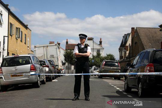 Pria didakwa menikam di luar kantor kementerian dalam negeri Inggris
