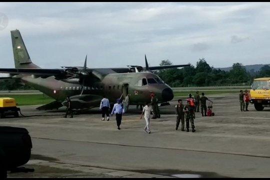 Dua heli Bell dan pesawat CN-235 cari helikopter yang hilang