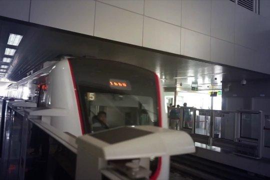 Uji  coba publik LRT Jakarta