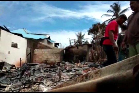 Gubernur Sultra pastikan akan bangun 87 rumah yang terbakar