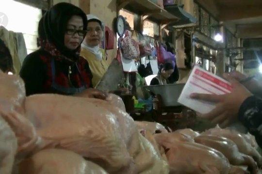 Pasca-Lebaran, harga daging sapi dan ayam turun