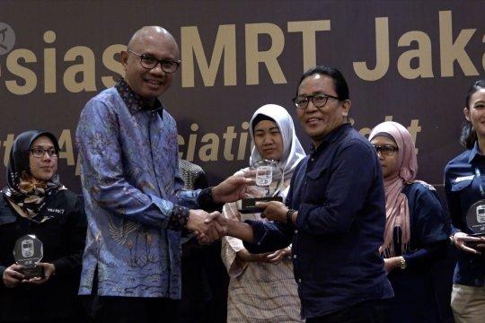 LKBN Antara terima penghargaan atas pemberitaan masif MRT Jakarta