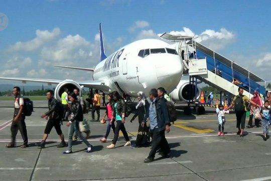 Penumpang pesawat Lebaran menurun