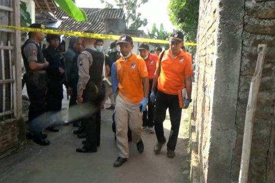 Tim inafis identifikasi rumah pelaku bom Sukoharjo