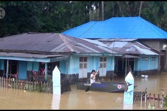 Bantu Rp 500 juta, BNPB juga distribusikan katamaran dan tenda