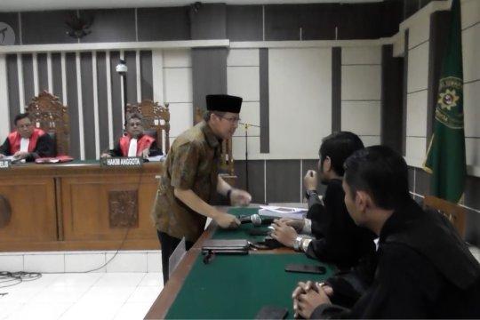 Taufik Kurniawan dituntut 8 tahun penjara