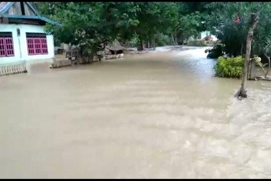 Banjir Bandang di Sigi disertai material lumpur