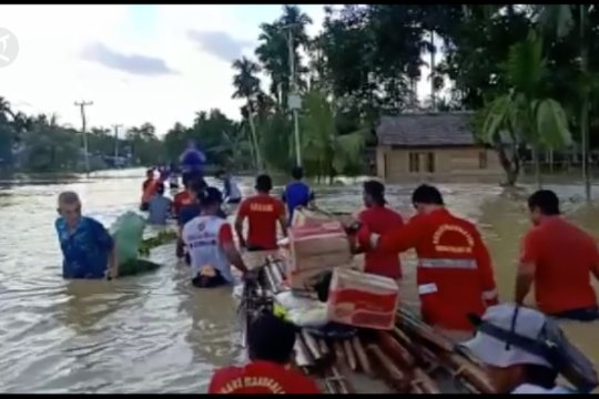 Penyaluran bantuan logistik terkendala medan yang sulit