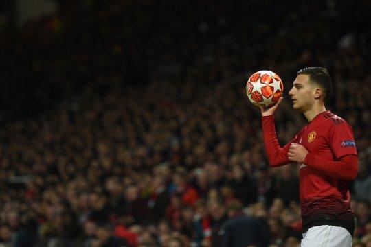 Wan-Bissaka tiba, Manchester United persilakan Diogo Dalot pergi
