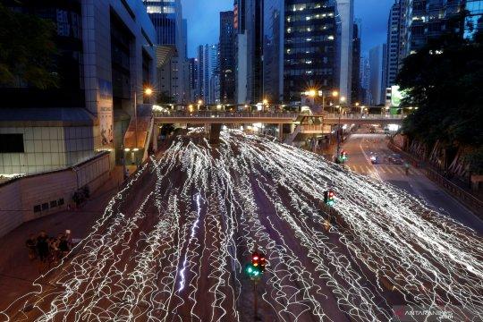 Suasana di Hong Kong tenang setelah protes jadi kerusuhan luar biasa