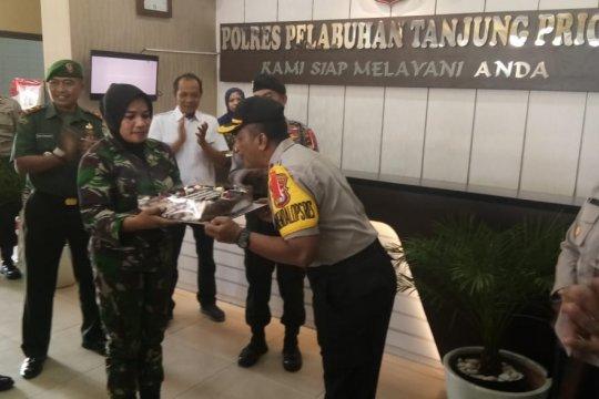 HUT Bhayangkara ke-73, TNI sambangi Mapolres Pelabuhan Tanjung Priok