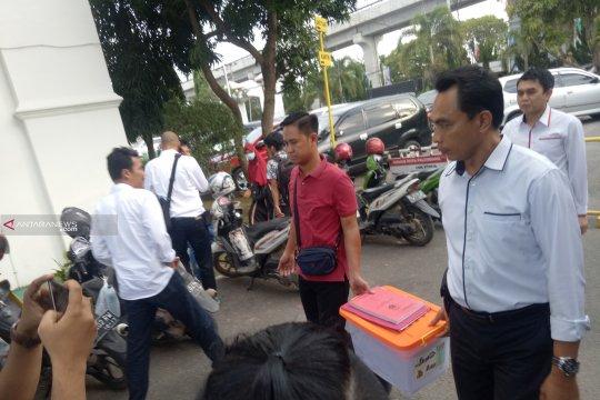 Penyerahan berkas tersangka pidana pemilu tidak dihadiri tersangka