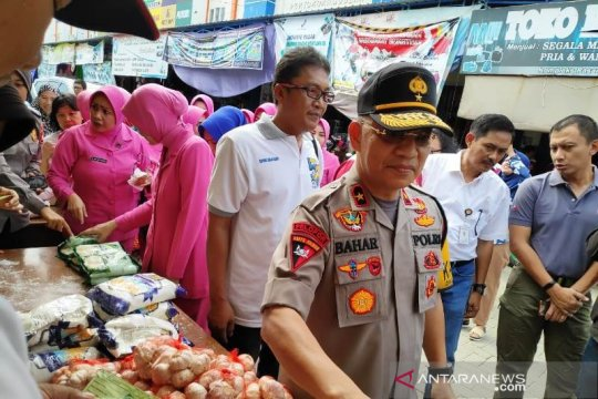 Bulog-Polda Sulbar gelar penetrasi pasar peringati HUT Bhayangkara