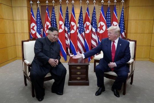 KCNA: Kim kembali awasi peluncuran uji coba senjata baru