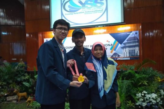 Mahasiswa Universitas Brawijaya ciptakan pelapis kaca pendingin