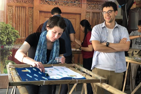 Pelaku usaha Kota Malang tingkatkan edukasi soal batik